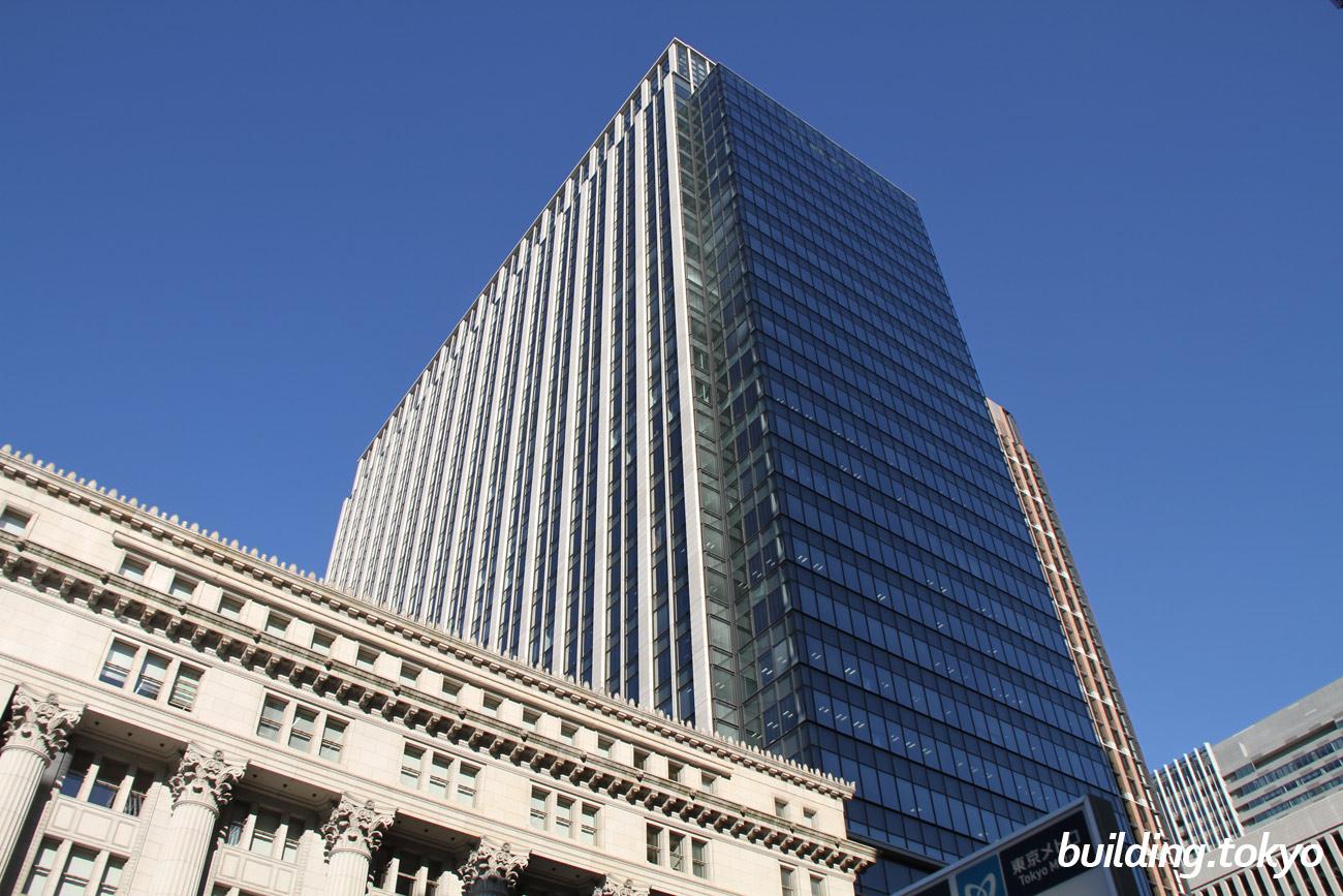 明治安田生命ビルは、昭和の建造物としては初めて国の重要文化財に指定された「明治生命館」に隣接しており、5階から30階がオフィス、4階が「MY PLAZA ホール」、地下2階から3階が商業施設の「丸の内 MY PLAZA」です。