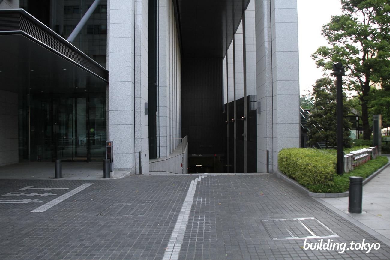 大手町ファイナンシャルシティー ノースタワー。駐車場入り口です。