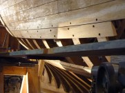 "But for that same plank, here shown freshly fastened, the ""S"" curve disappears due to the 3 dimensional shape of the hull."