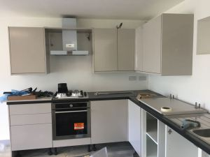 Kitchen cooking appliances installed