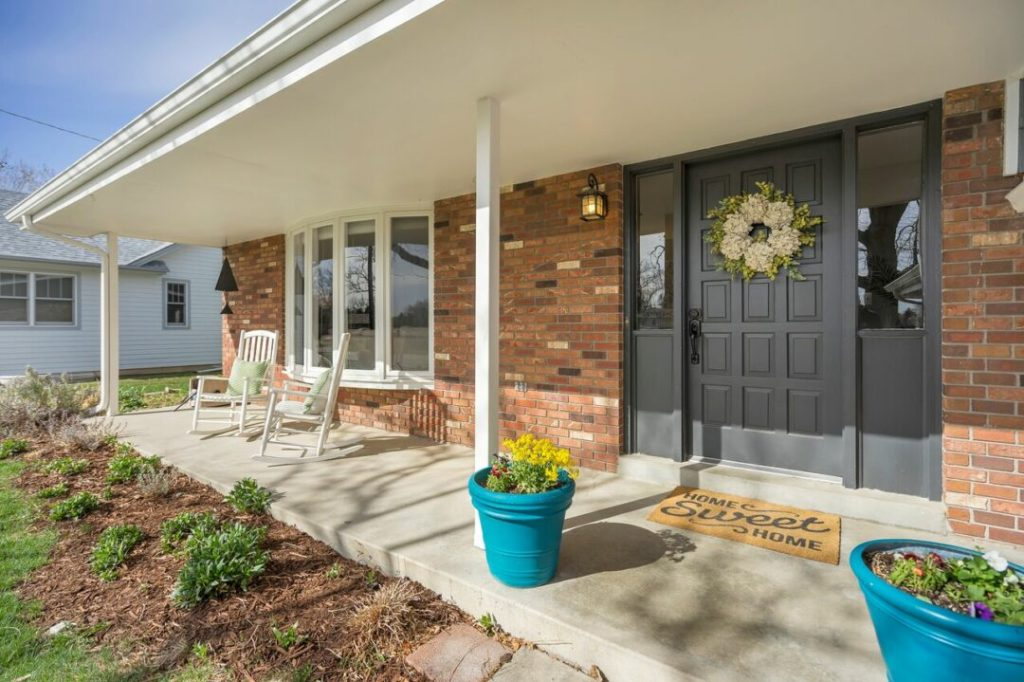 Adding curb appeal for potential buyers will help to sell your home fast.