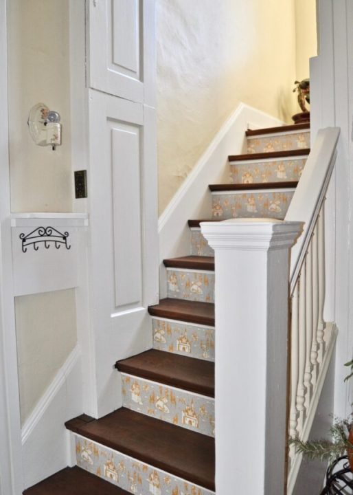 How to wallpaper your staircase with this simple DIY | Building Bluebird  #tempaperdesigns #removablewallpaper #wallpaper #staircase#tempaperdesigns #removablewallpaper #wallpaper #staircase