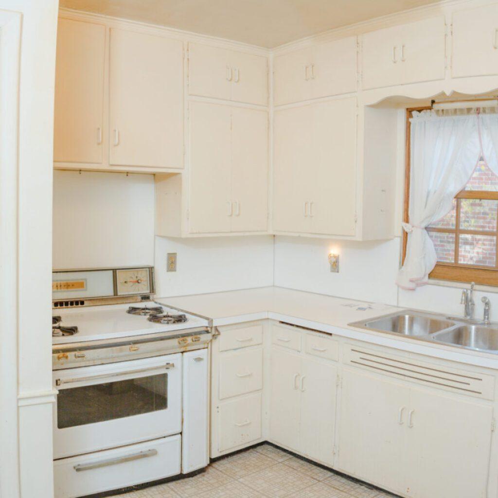 Original kitchen layout at flip 4