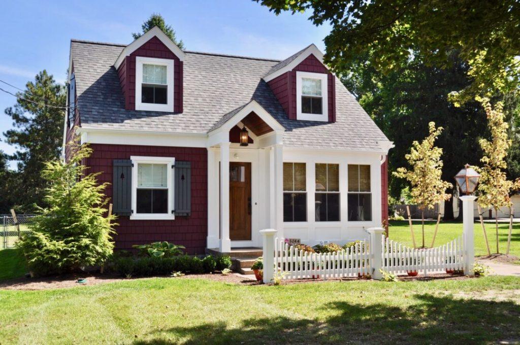 The Gas Lantern Cottage - Airbnb listing in Sylvania Ohio