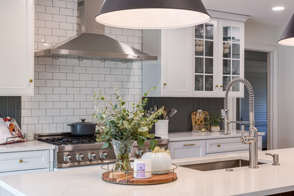 Designing an open-concept kitchen with traditional design elements | Building Bluebird #alabaster #zline #kitchenrenovation #cottagecore