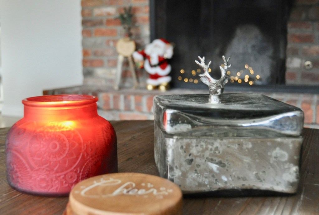 Christmas candles and peppermint scented diffusers give your home the holiday vibe instantly   Building Bluebrd #christmasdecor