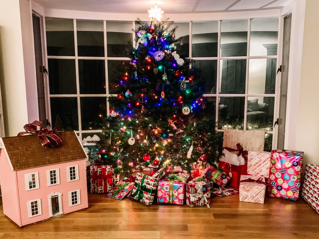 6 Ways to Create Less Waste During the Holidays | Building Bluebird #holidaydecor #christmas #holiday