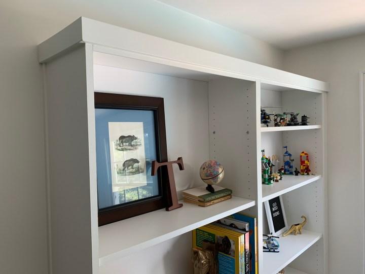 Bedroom bookshelf DIY