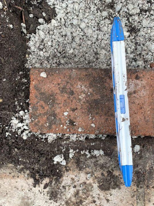 Beginner's DIY - How to install a brick border around your garden | Building Bluebird #tutorial #englishgarden #landscaping