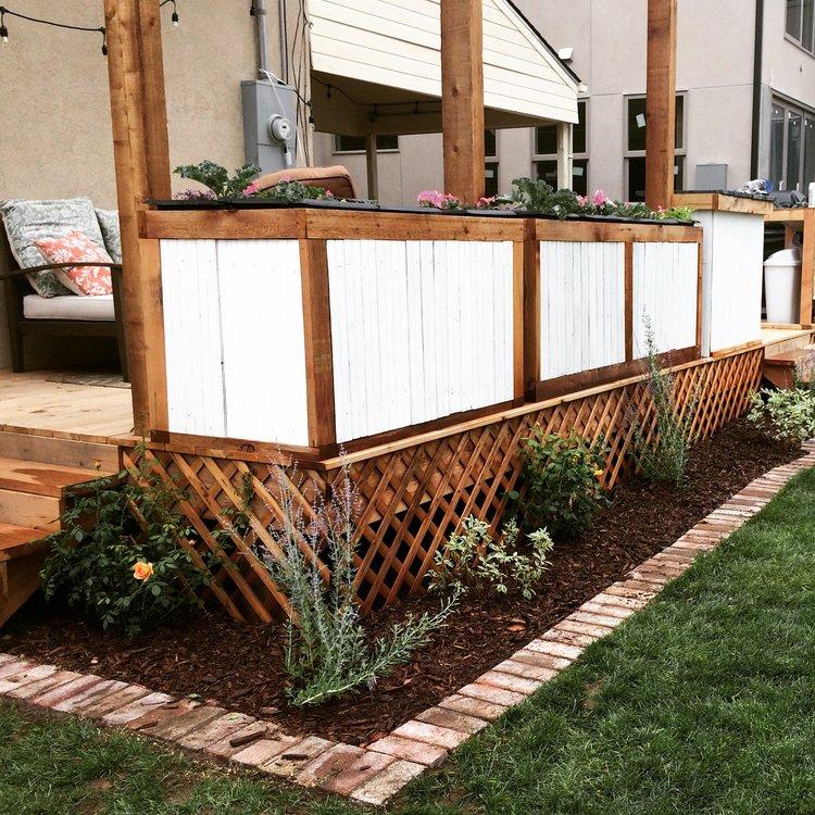 How to lay bricks around your flower bed   Building Bluebird #englishgarden #hosta #hydrangea #gardening