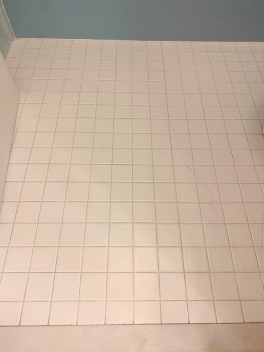 How to clean dirty grout with this simple cleaning trick | Building Bluebird