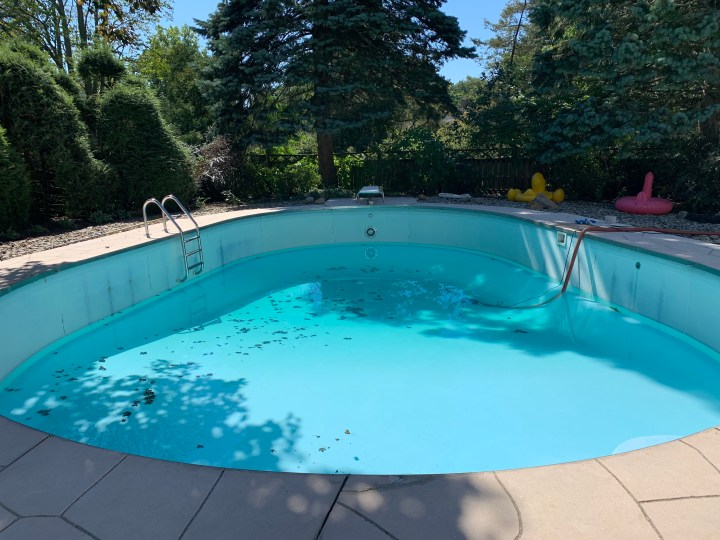 How to drain your pool to prep for paint | Building Bluebird #tutorial #paint #diy #home renovation