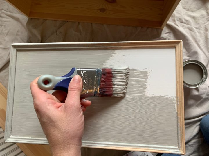 Using Rustoleum cabinet transformations, I applied the first base coat on the dresser | Building Bluebird #hemnes #ikeahack #rustoleum #diy