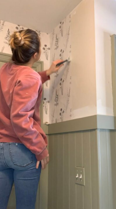 Flora pre-pasted wallpaper installation tutorial | Building Bluebird #grandmillenial #cottagecore #diy #chintz