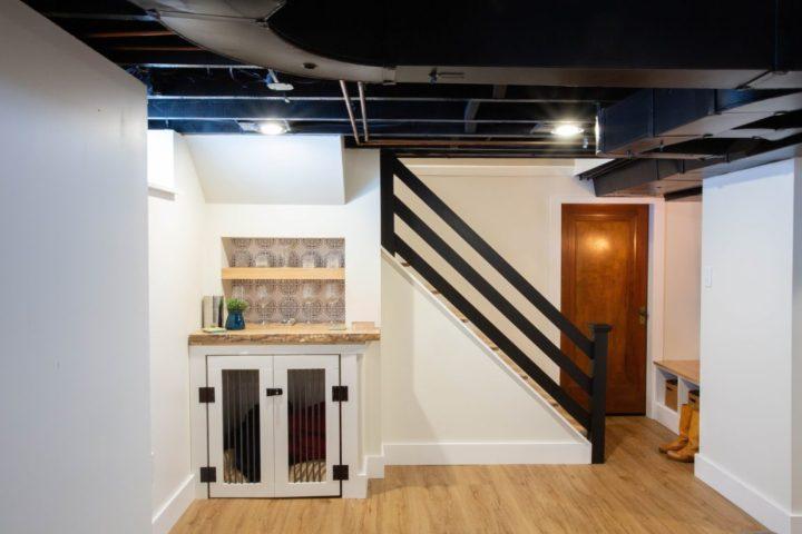 7 inspiring unfinished basement makeovers - Clark + Aldine | Building Bluebird #exposedceiling #paintedceiling