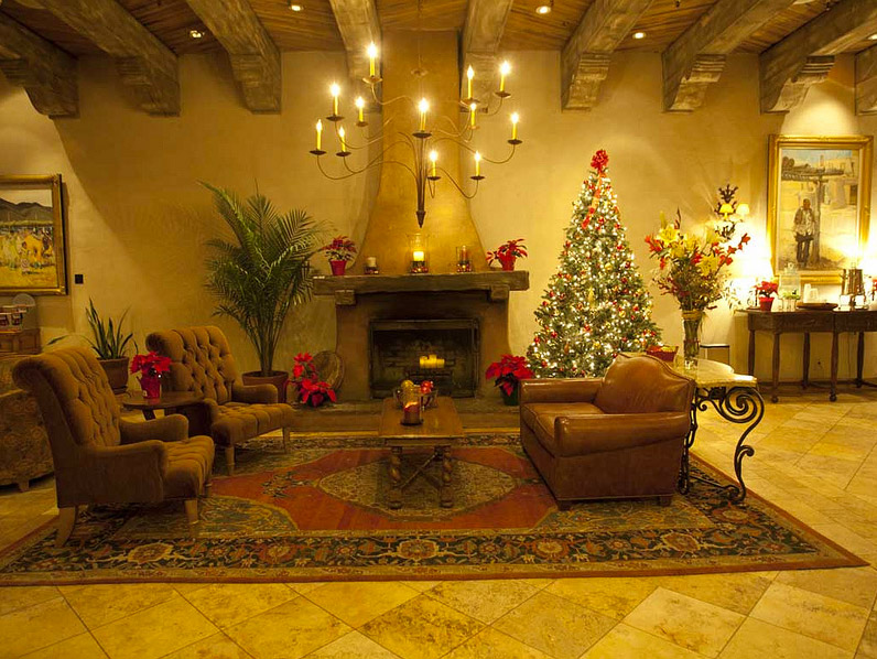 Striking 12  How to Arrange Your Home for a New Year s Party in 12     Christmas Tree   Credit   Peapod Labs      New Years Eve