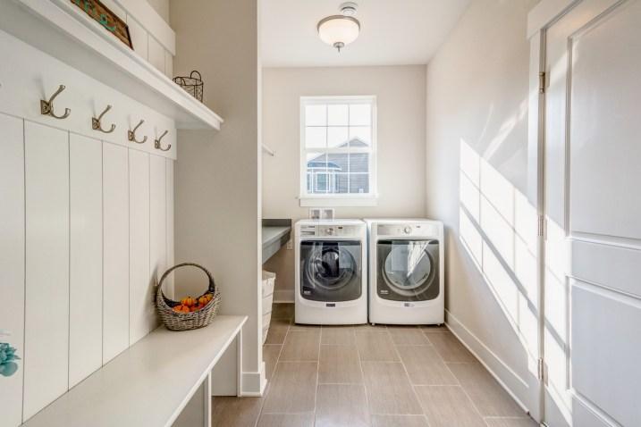 401 Laundry Room