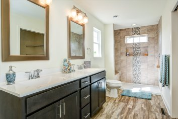 410 Master_Bathroom