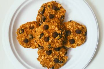 Easy No-Guilt Pumpkin Oatmeal Chocolate Chip Cookies (healthy and gluten free!)