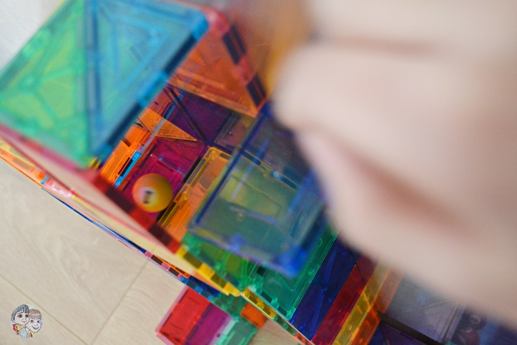 magnetic-tiles-marble-run-diy-using-picasso-tiles-magna-tiles
