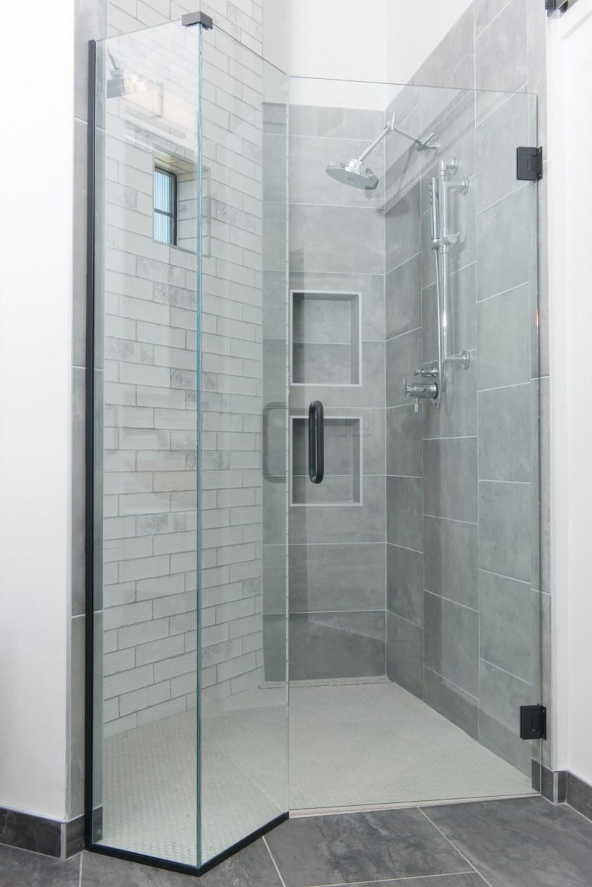 Master Bathroom Shower - 3rd St New Build