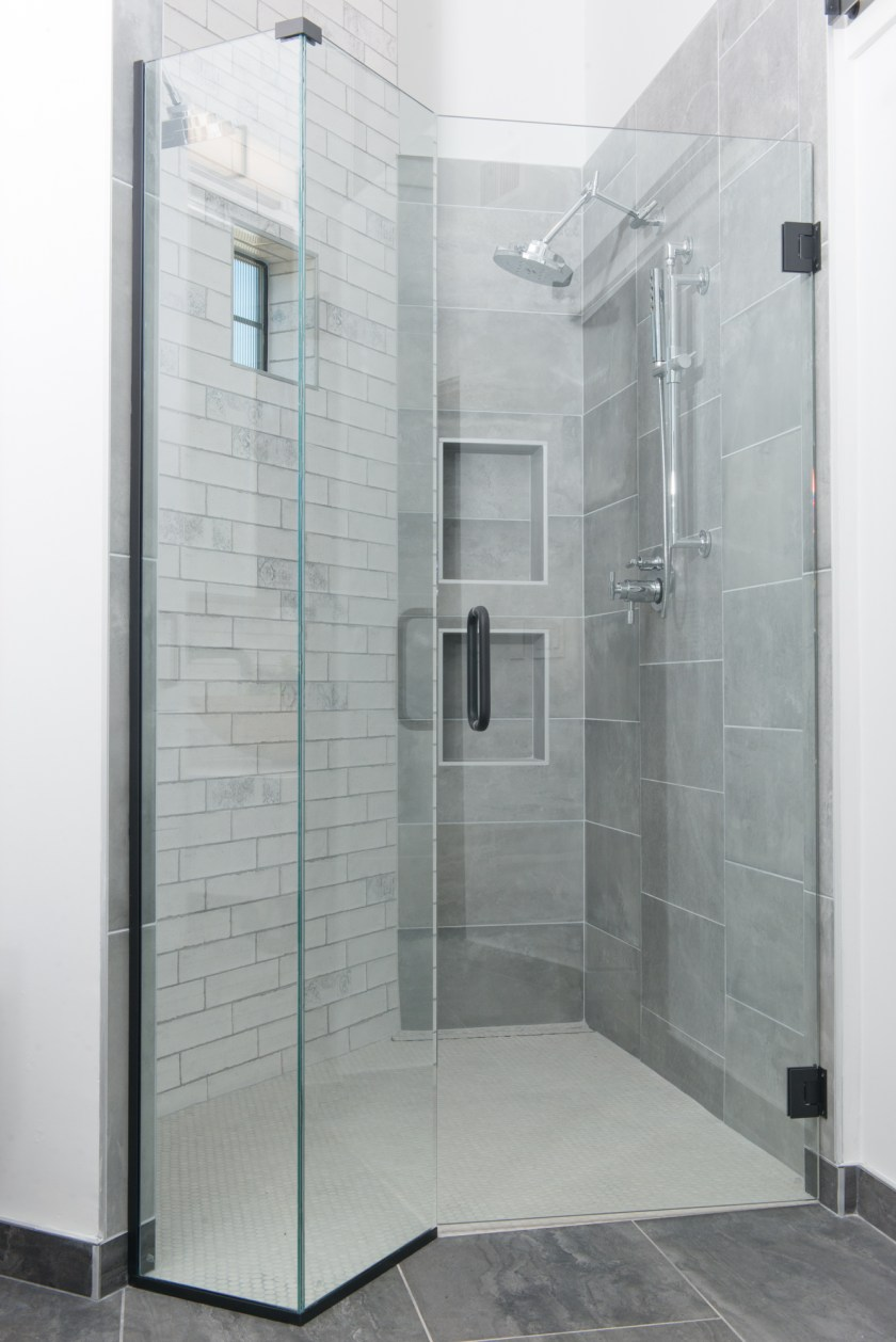Master Bathroom Shower - 3rd St New Build