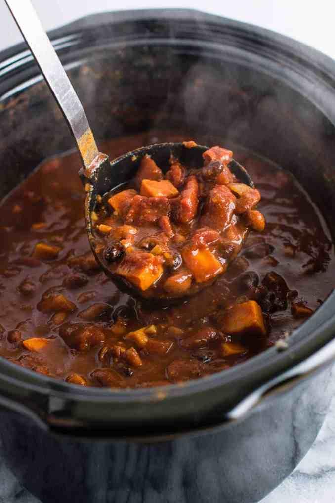Slow Cooker Vegetarian Sweet Potato Chili Recipe - 10