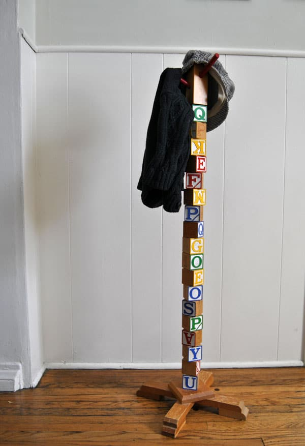 kids-building-block-hat-rack