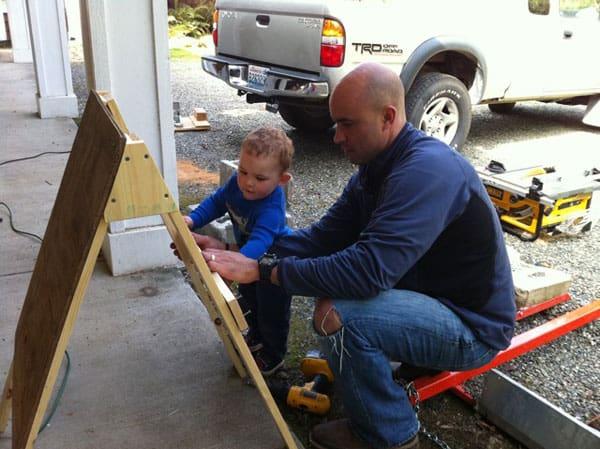 building-art-easal-dad