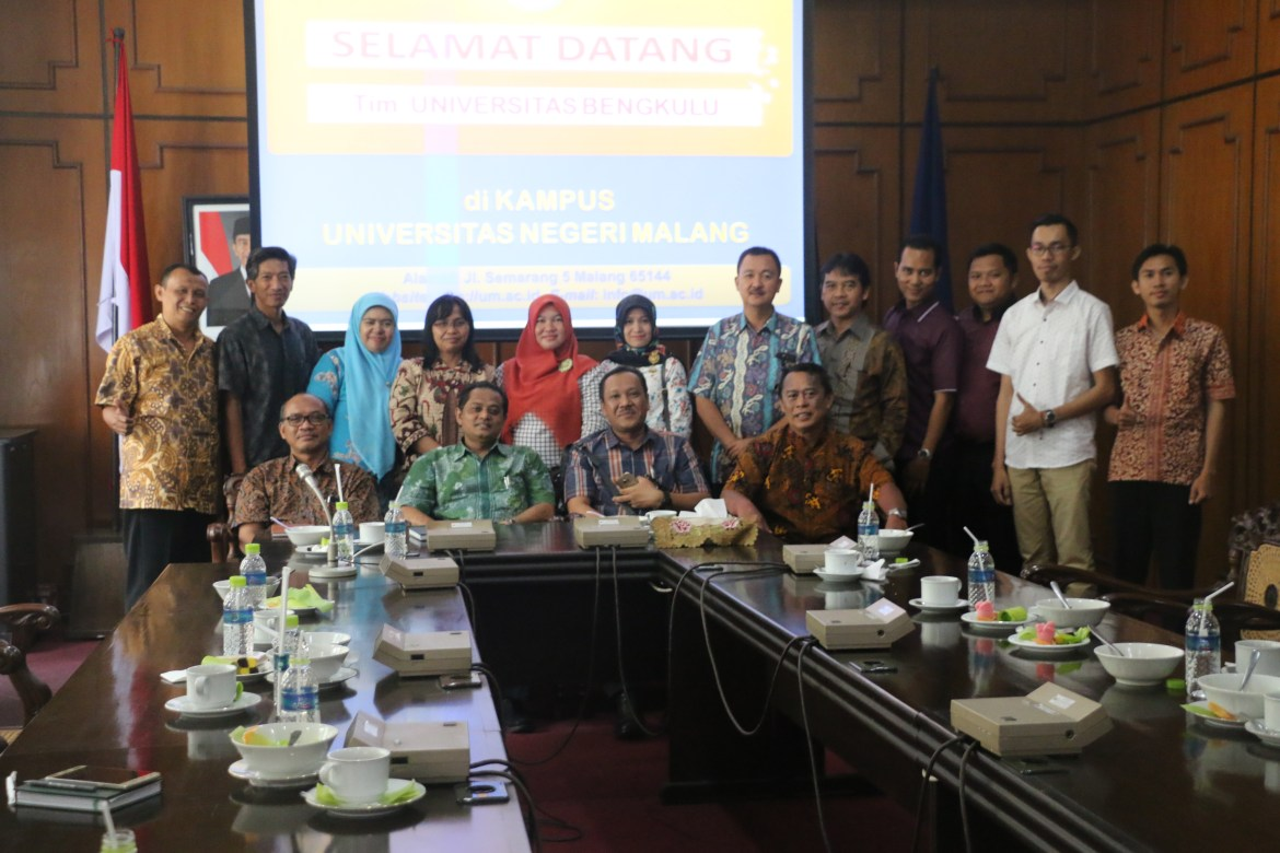 Photo Bersama Universitas Bengkulu