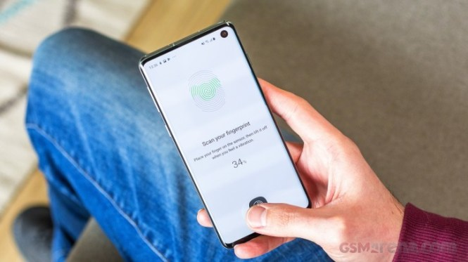 Samsung Galaxy S10 and Note10 receiving software updates with a fix for fingerprint issue