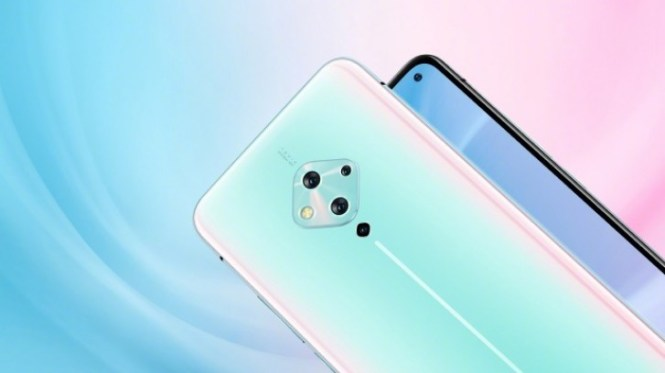 vivo S5 official images show off the phone in a blue gradient