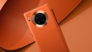Huawei Mate 30 Pro 5G in Vegan Leather Orange color