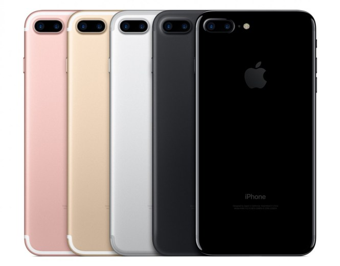 Flashback: the iPhone 7 Plus added an extra camera but removed the 3.5 mm jack