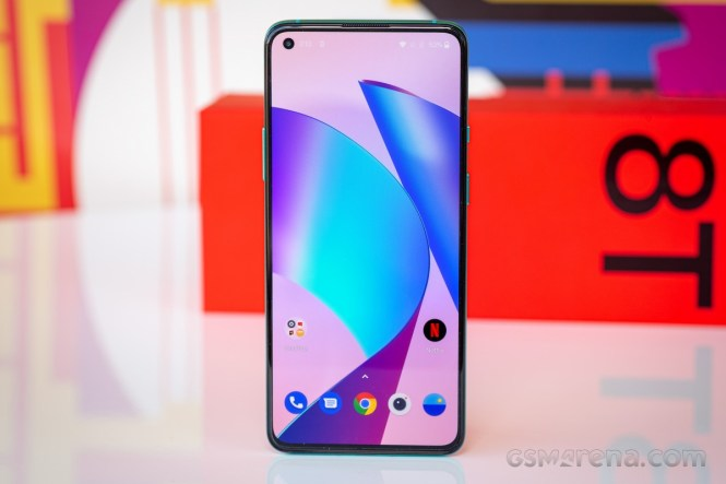 OxygenOS 11.0.4.5 for the OnePlus 8T rolls out with 11 different fixes