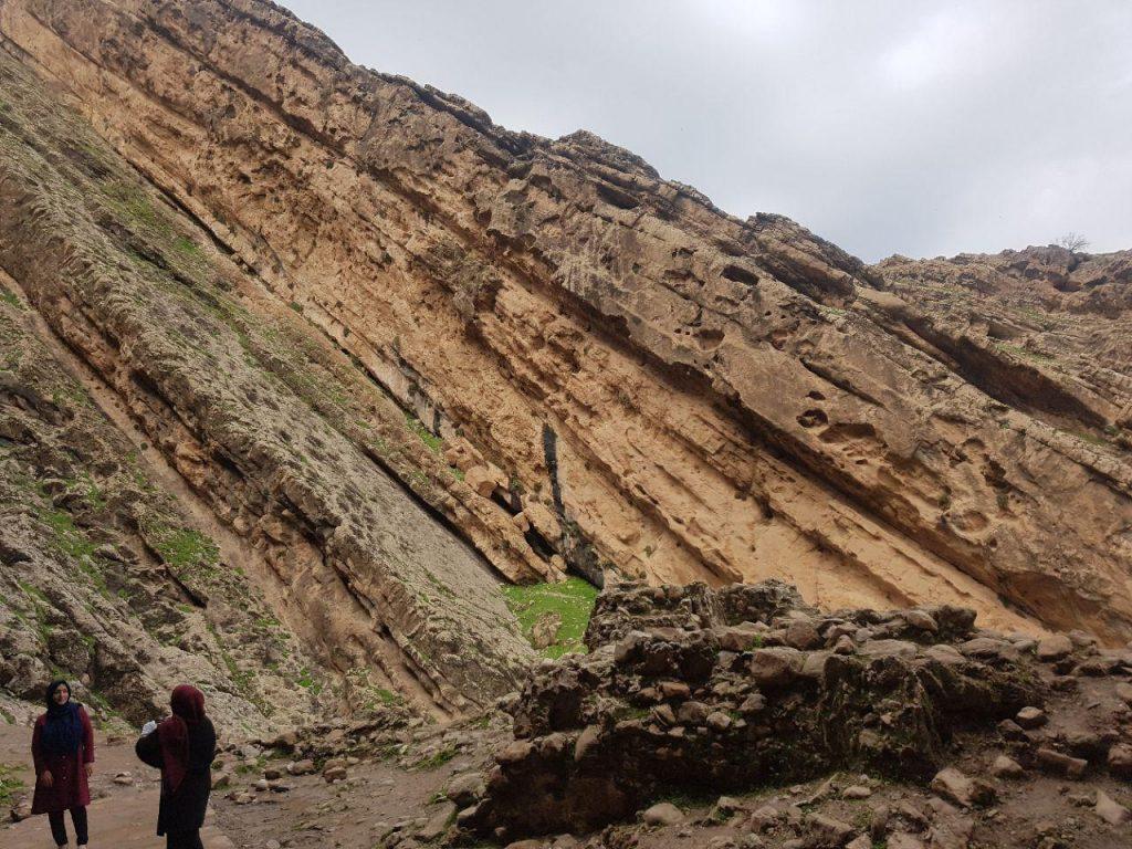 دیوار قلعه از راست