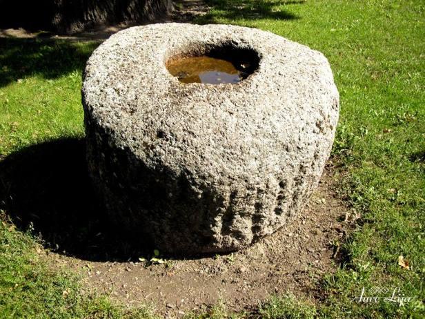 Padvarių akmuo