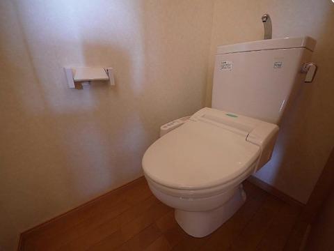 トイレ(暗い)