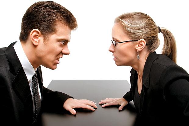 konflik kerja pebedaan pendapat
