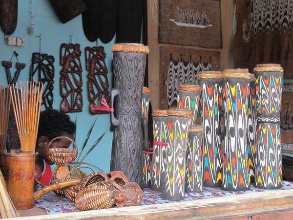 alat musik tradisional tifa