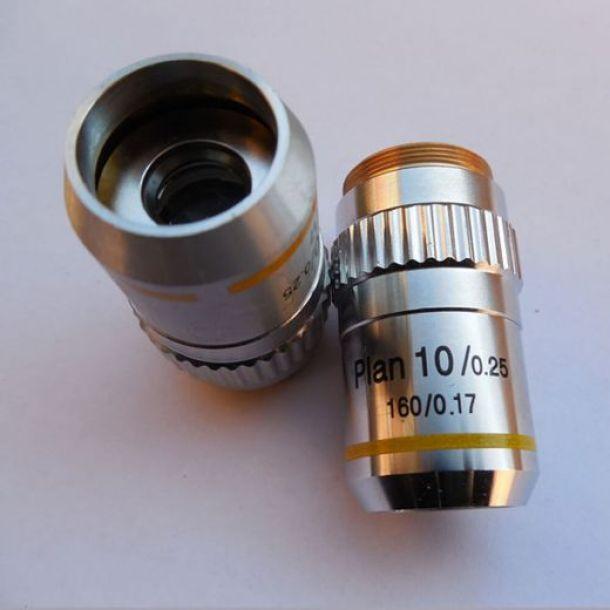lensa objektif pada bagian mikroskop