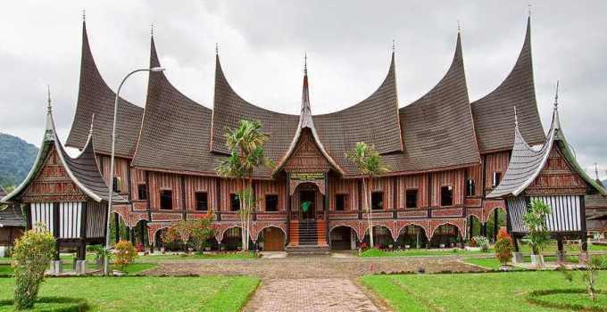 Rumah Adat Provinsi Sumatera Barat