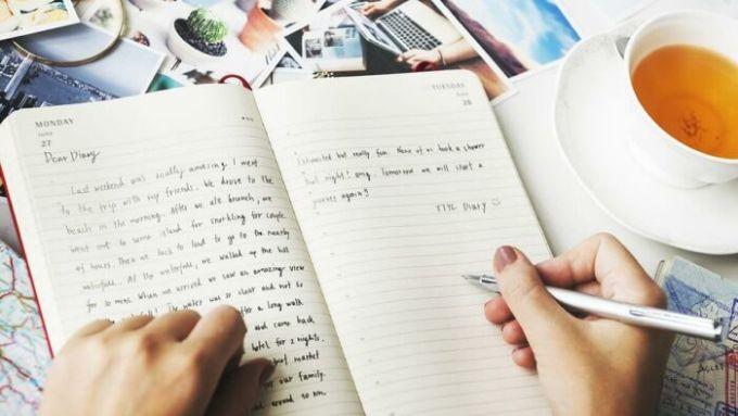 Rutin Menulis dalam Bahasa Inggris