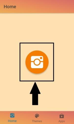Memilih ikon kamera untuk menuju ke halaman login Instagram