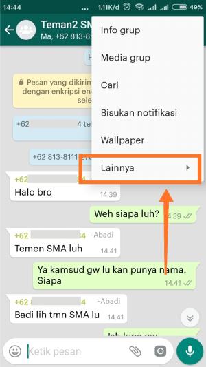 Langkah kedua keluar grup WhatsApp, yaitu klik lainnya.