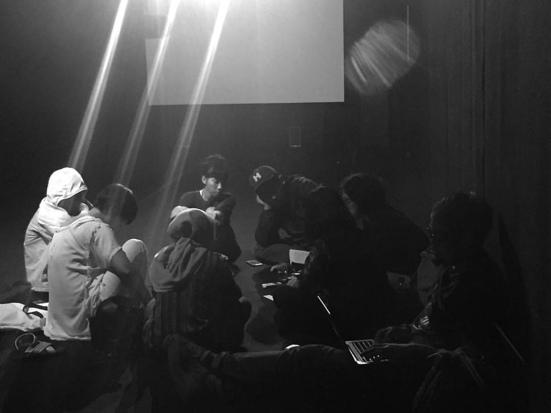 dokumentasi-perpustakaan-forum-lenteng_klub-baca-foto-oleh-hafiz-rancajale_22-november-2016