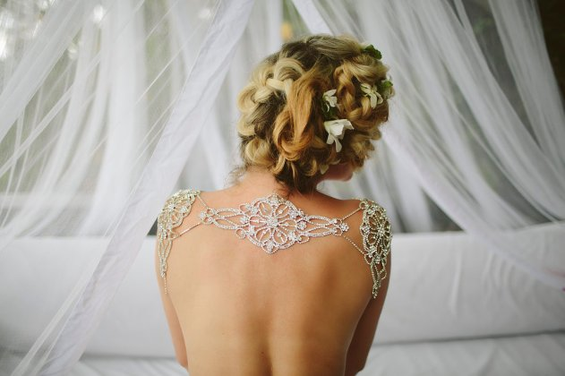 Bula Bride Fiji Wedding Blog // Fiji Bridal Boudoir Shoot - Vomo Island Resort. Captured by Leezett Photography