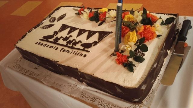 Rodzina – biznes Twojego życia - tort z okazji 15-lecia Akademii Familijnej w Polsce