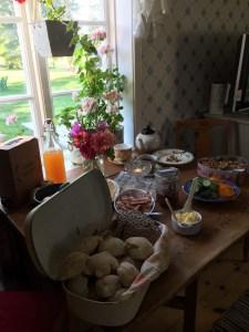 Frukostbuffé i boningshuset maj - september