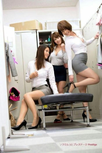 office-lady-25